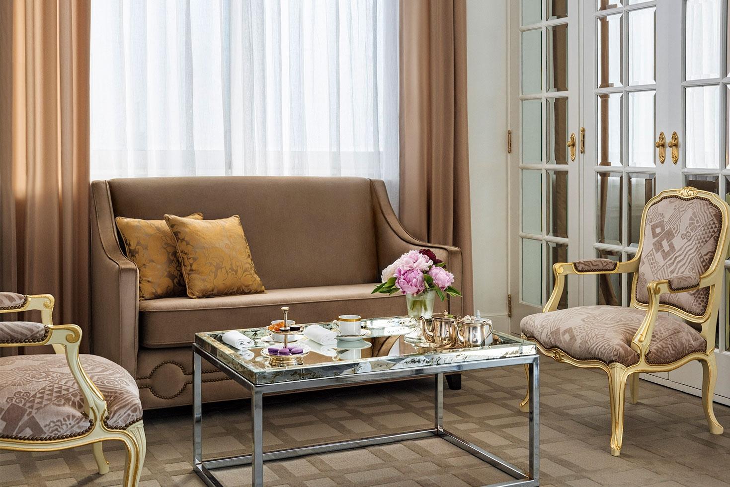 Alvear Palace Hotel Habitaciones Y Suites Suite Junior Lounge # Muebles Cofre Spa